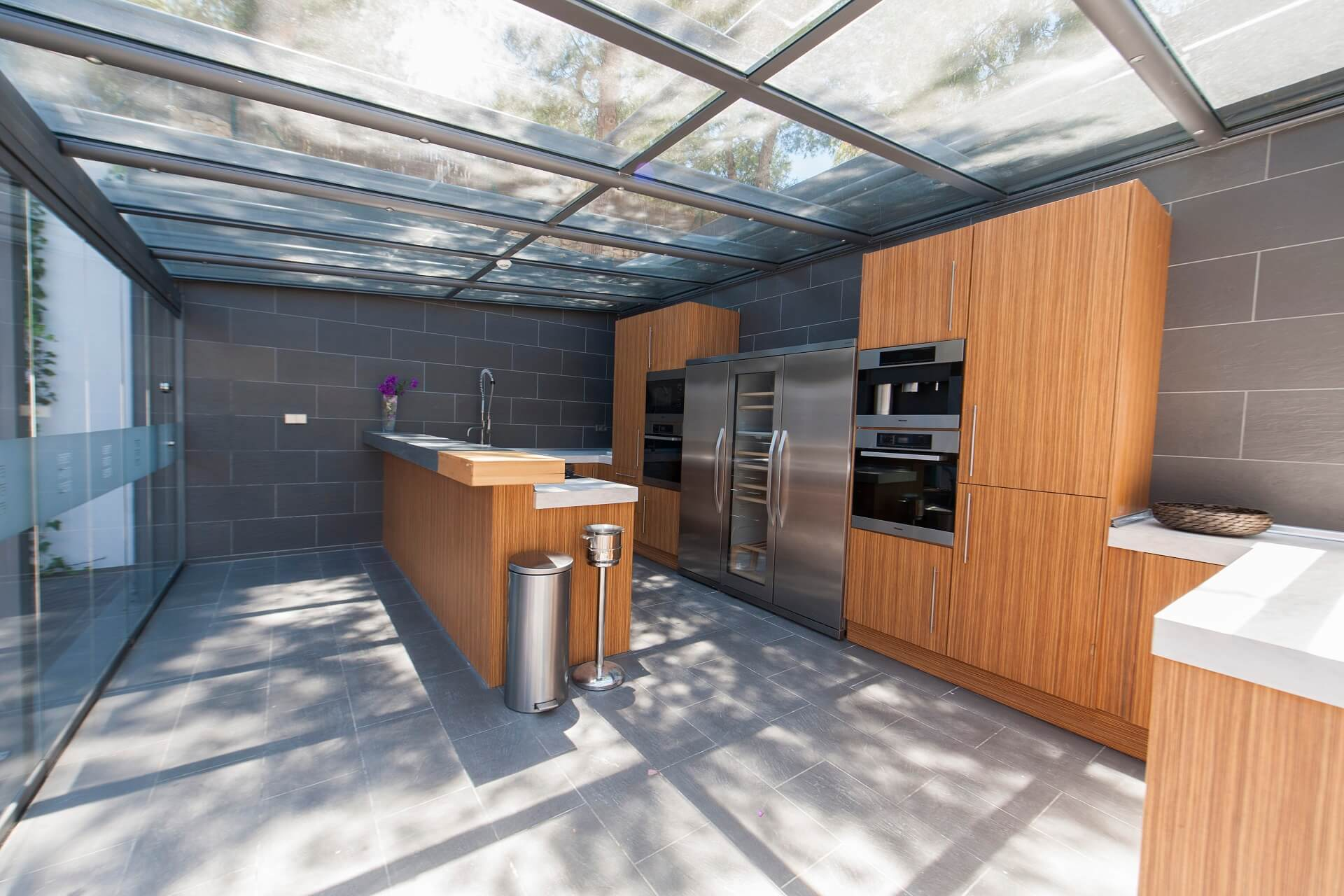 Casa India Ibiza - Outdoor kitchen with MIELE electrical devices