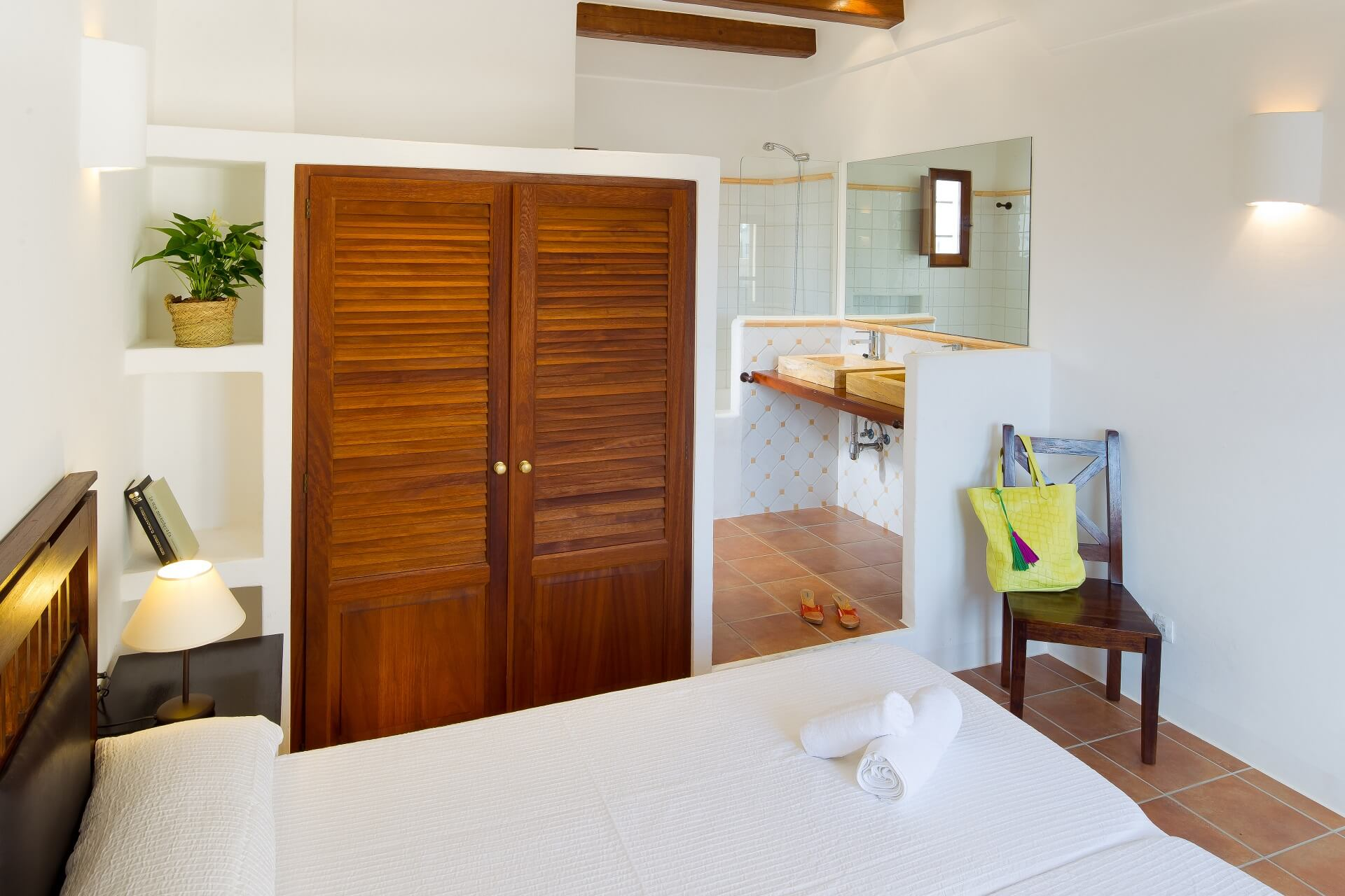 Villa CASES 4 - Bedroom with bath en suite