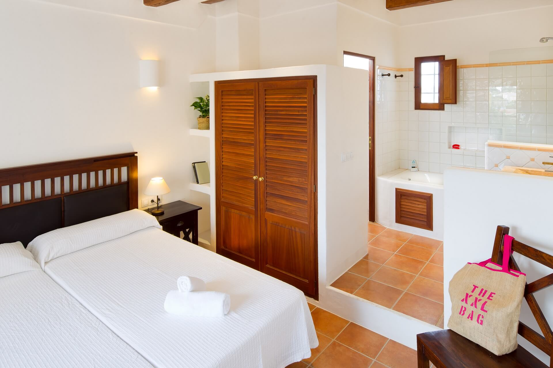 Villa CASES N5 - Bedroom with bath en suite