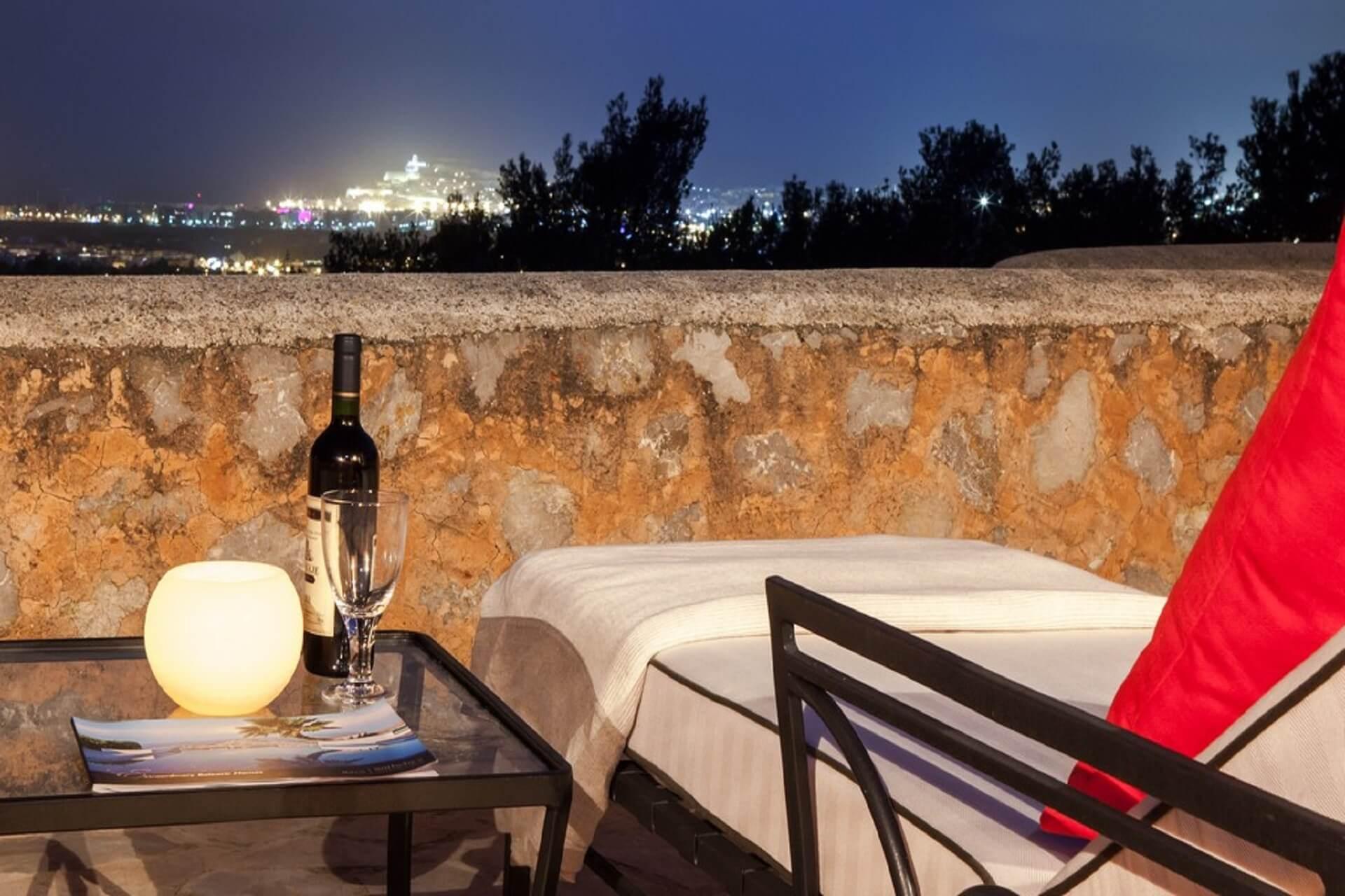 VILLA CASA TUCAN - Terrace Master-Suite