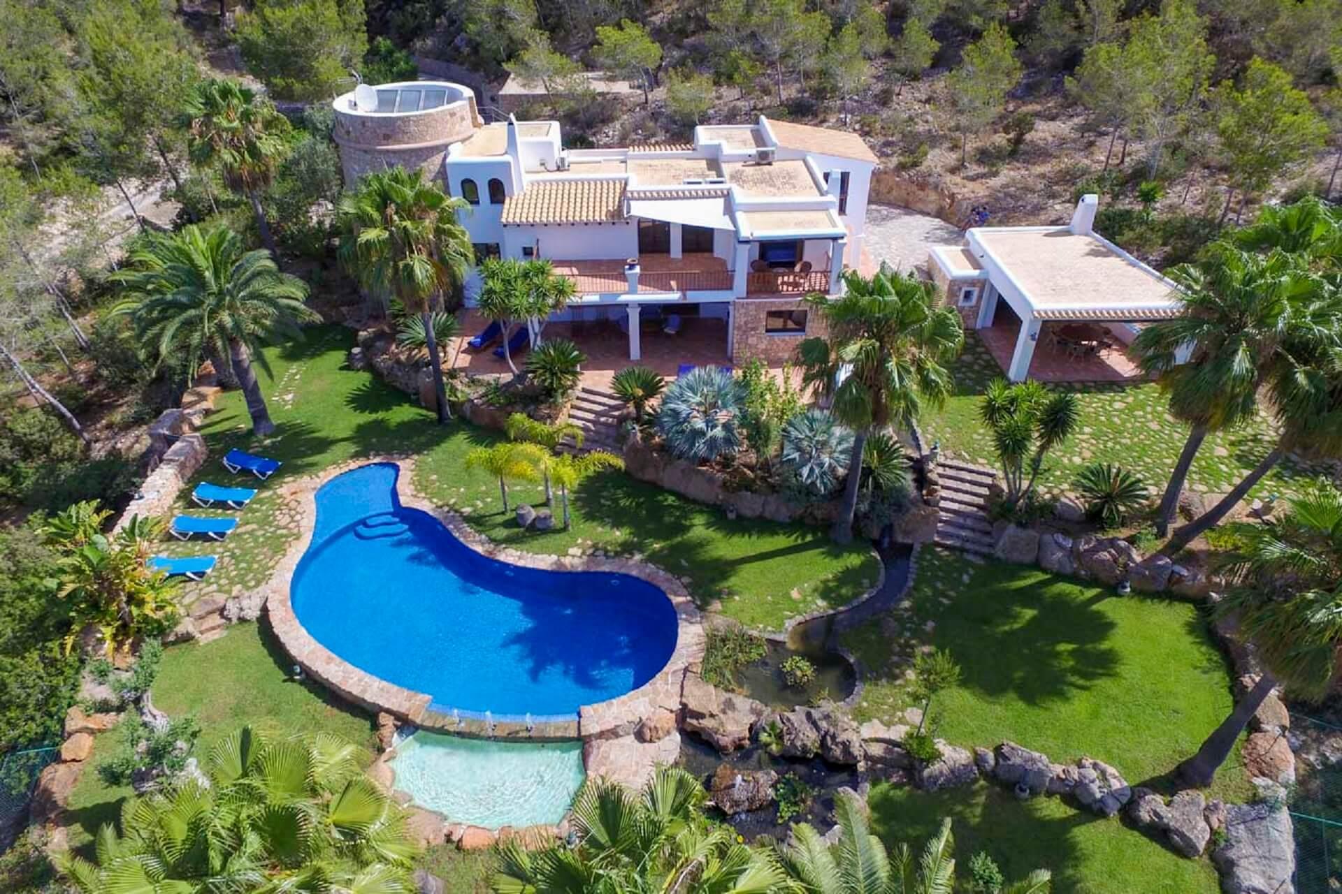 Villa Torres Carón