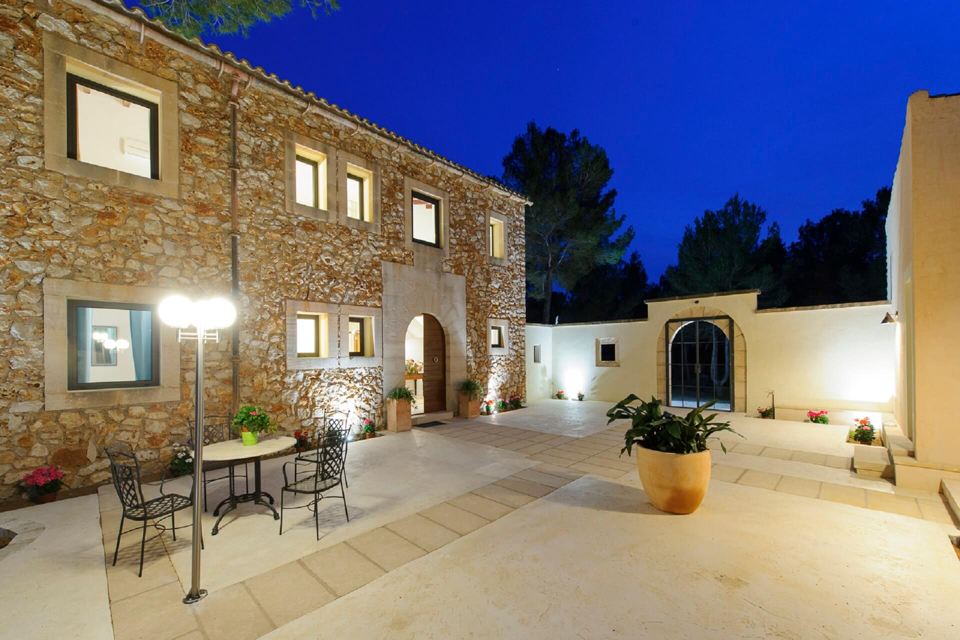 Villa Pins mit Patio