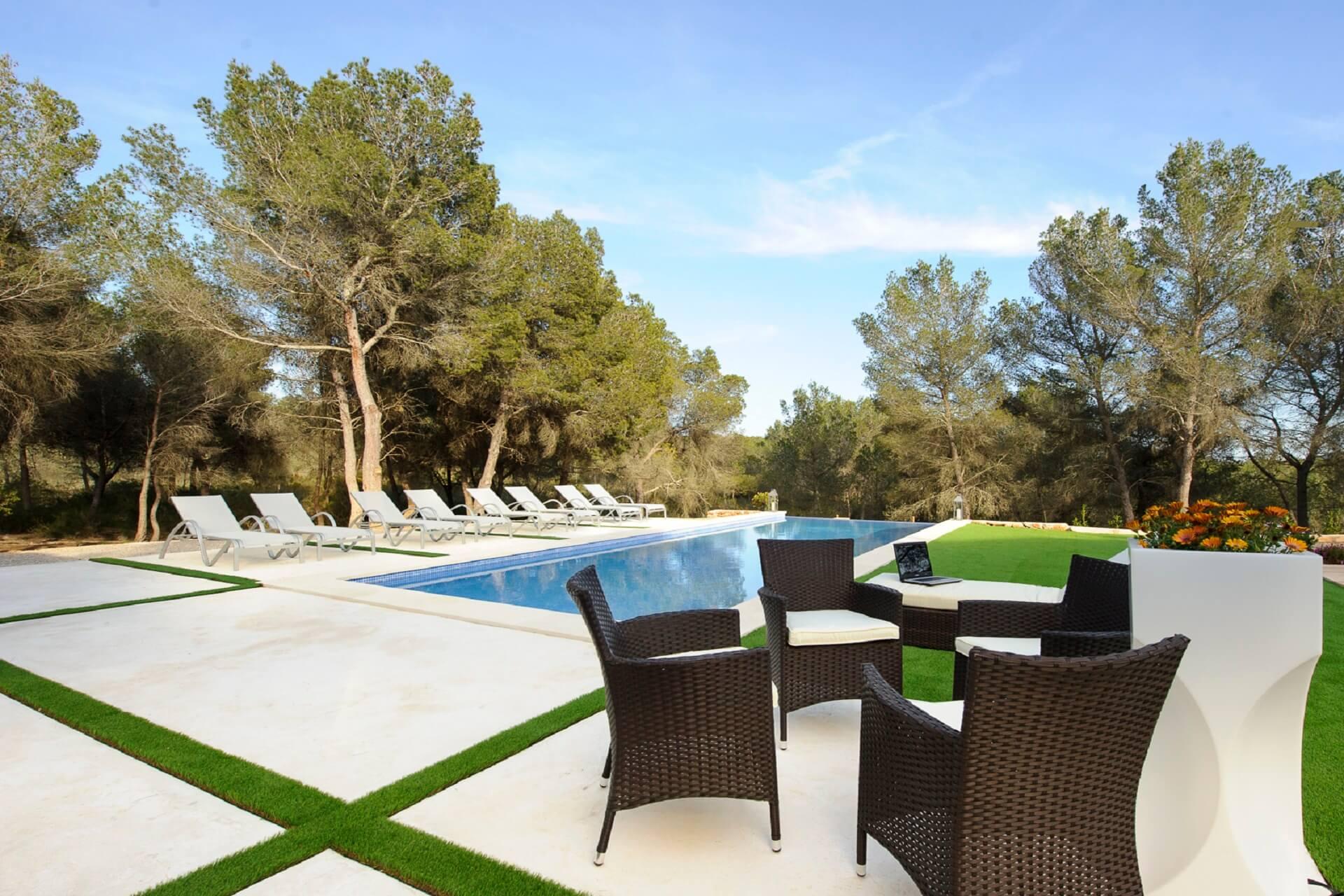 Villa Pins - Pool area